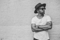Isaac Nightingale представил новый альбом «Sides of Canvas»